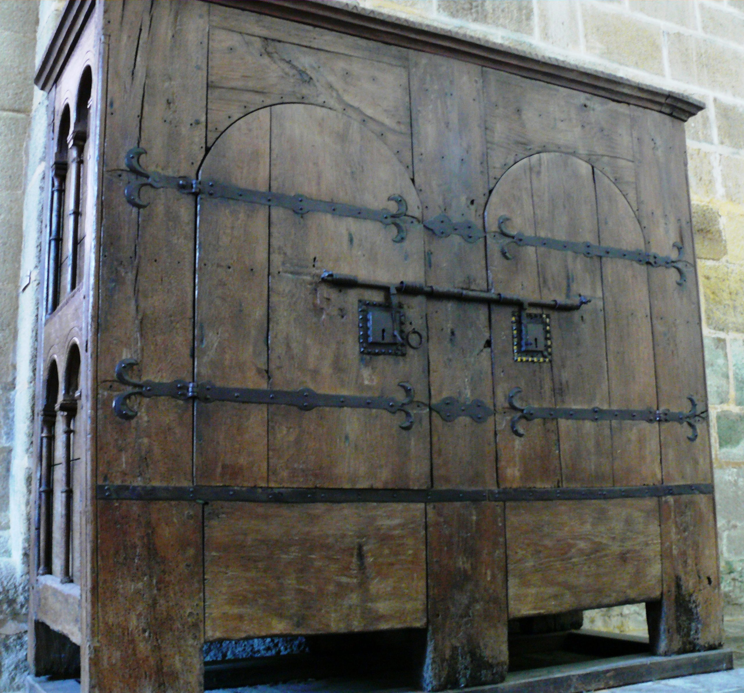 armoire murale outils